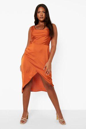 Boohoo Dame Hverdagskjoler - Plus Satin Wrap Midi Dress