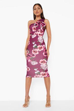 Boohoo Dame Bodycon kjoler - Floral One Shoulder Pleated Detail Midi Dress