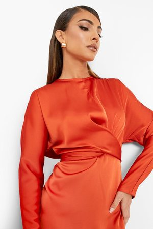 Boohoo Dame Bodycon kjoler - Satin Wrap Detail Tie Back Midi Dress