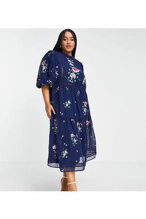 ASOS Dame Midikjoler - ASOS DESIGN Curve high neck dobby embroidered midi dress with lace trims in navy