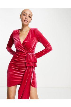 Style Cheat Dame Selskapskjoler - Velvet drape mini dress in hot pink