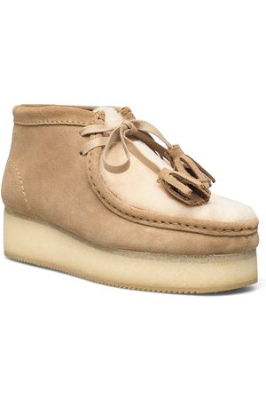 Clarks Wallabee Wedge Shoes Boots Ankle Boots Ankle Boot - Flat Beige