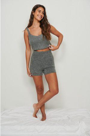 NA-KD Dame Shorts - Strikket shorts med ribber