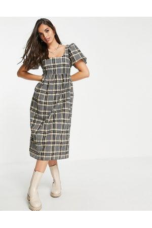 Miss Selfridge Puff sleeve midi dress in seersucker check-Brown