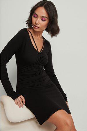NA-KD Dame Hverdagskjoler - Jersey minikjole med detaljer i halsen