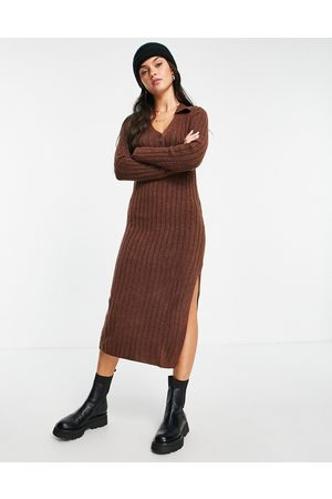 ASOS Dame Hverdagskjoler - Knitted midi dress with collar and button front in rust-Brown
