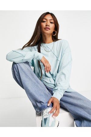 ASOS Dame Langermede - Oversized long sleeve t-shirt with exposed seam detail in green-Brown