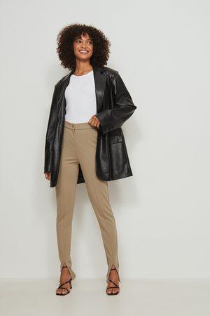 NA-KD Dame Smale bukser - Bukser med slitte detaljer