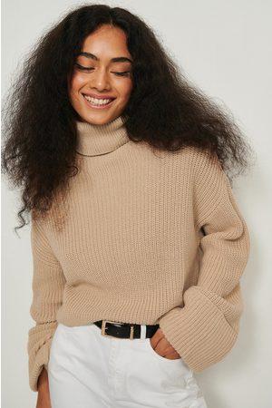 NA-KD Dame Pologensere - Strikket genser med høy hals og brede ermer
