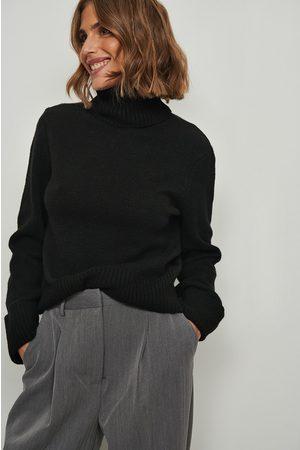 NA-KD Dame Pologensere - Foldet genser med høy hals og ermer
