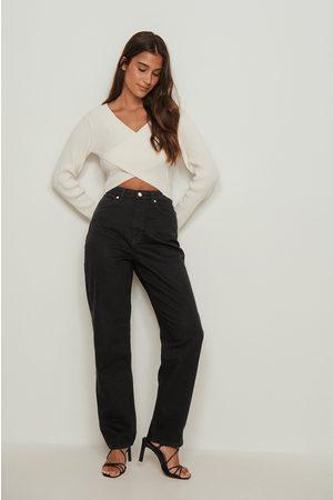 NA-KD Dame Straight - Økologiske jeans med høyt liv