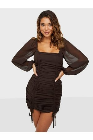 NLY Bodylicious Ruche Dress