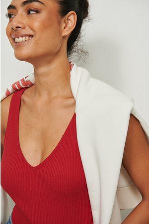 NA-KD Dame Singleter - Organisk Ribbetopp Med V-Hals