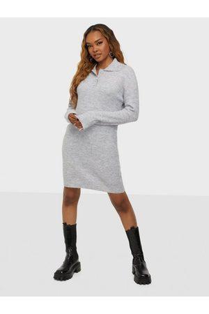 Pieces Dame Strikkede kjoler - Pcpetra Ls Knit Dress D2D Light Grey Melange