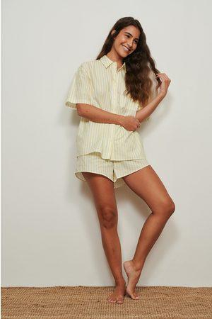 NA-KD Dame Shorts - Organisk bomullsshorts