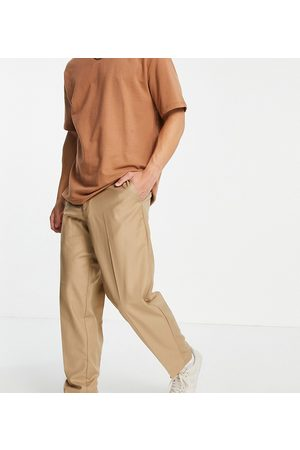 New Look Oversized fit smart trousers in tan-Brown