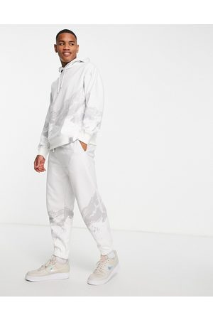 Topman Signature mountain print jogger-White