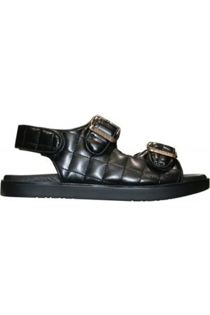 Original Sin ZOE OS Quilted Sandals