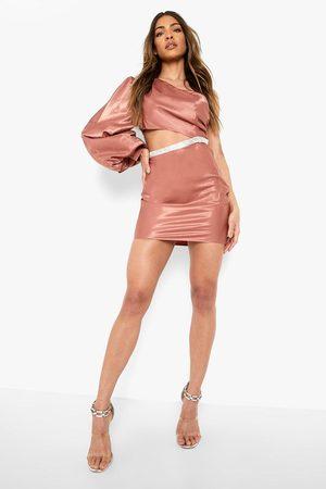 Boohoo Dame Bodycon kjoler - Satin One Shoulder Cut Out Mini Dress